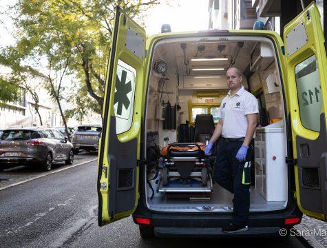 """Cláudio Costa, enfermeiro do INEM. """"Para termos sucesso nesta missão, precisamos mesmo da ajuda de todos. Protejam-se!"""""""