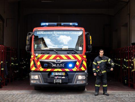 """Júlio Roseta, bombeiro sapador. """"Protejam-se, cuidem-se, fiquem em casa, nós estamos cá para vos apoiar"""""""