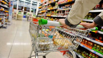 Compras em loja sofrem maior aumento desde início da pandemia